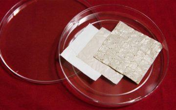 Các nhà khoa học phát triển vật liệu dệt làm mát từ plastic